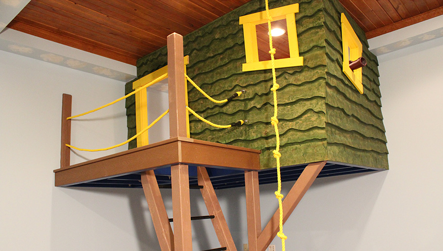 Custom Construction Example Indoor Treehouse - Slideshow
